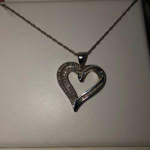 HELZBERG DIAMONDS heart necklace